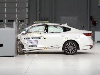 Краш-тест нового седана Kia Cadenza подтвердил высокий уровень безопасности